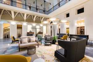 מלון מומנטס בודפשט