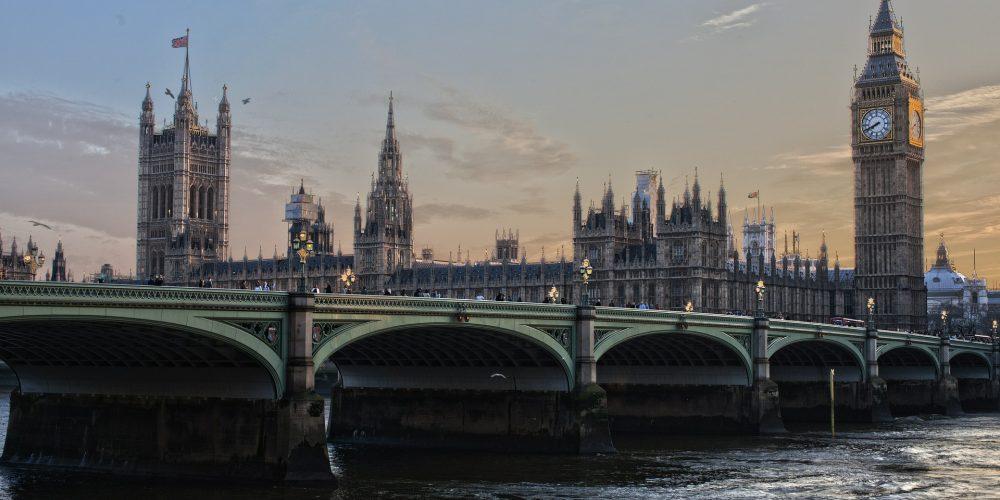 לונדון מטיילים בעולם
