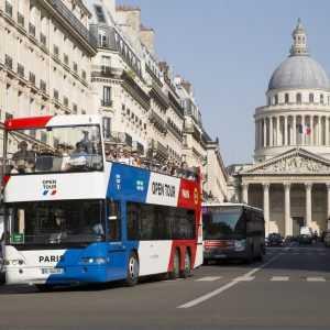 אוטובוס תיירים בפריז
