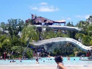 פארק המים Typhoon Lagoon בדיסני אורלנדו.