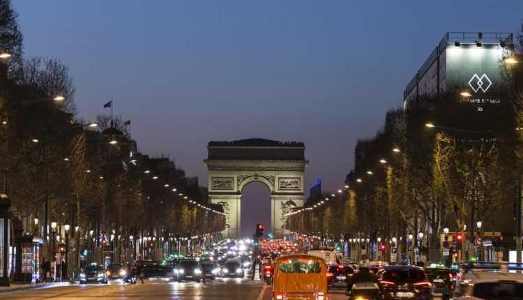 paris-3881191_1280-min-750x430