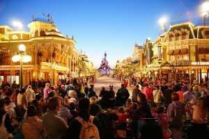דיסנילנד פריז 2021 - המדריך השלם: כרטיסים, מלונות ועקיפת התורים