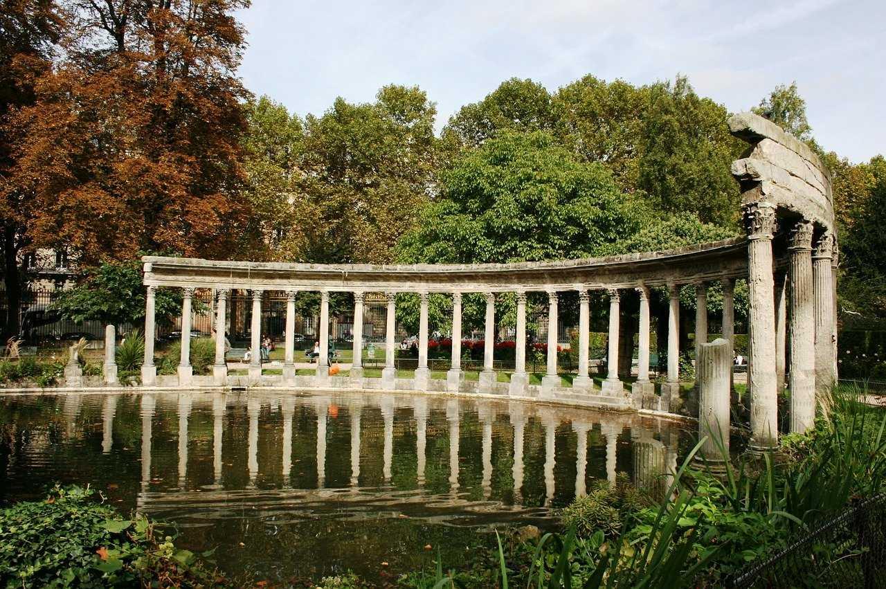 פארק מונסו פריז