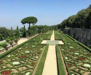 הגולשים שאלו: אחוזת האפיפיור בקסטל גנדולפו - האם כדאי לבקר שם?