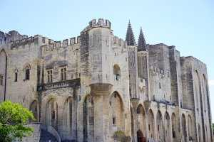 ארמון האפיפיורים אביניון