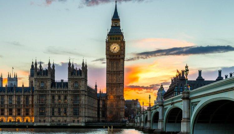 ארמון ווסטמינסטר (בית הפרלמנט) בלונדון - איך מבקרים בו? וכמה עולים כרטיסים?