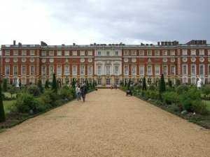 ארמון המפטון קורט לונדון - כרטיסים, הנחות וכל מה שצריך לדעת!