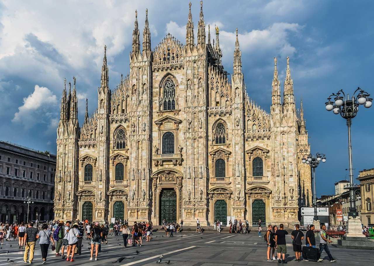 קתדרלת מילאנו (הדואומו של מילאנו) - המדריך השלם לביקור במבנה המרשים!