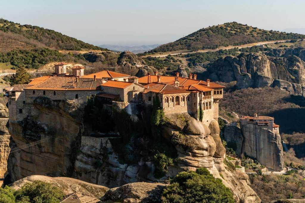 מטאורה יוון - המדריך השלם לטיול במנזרים התלויים המדהימים