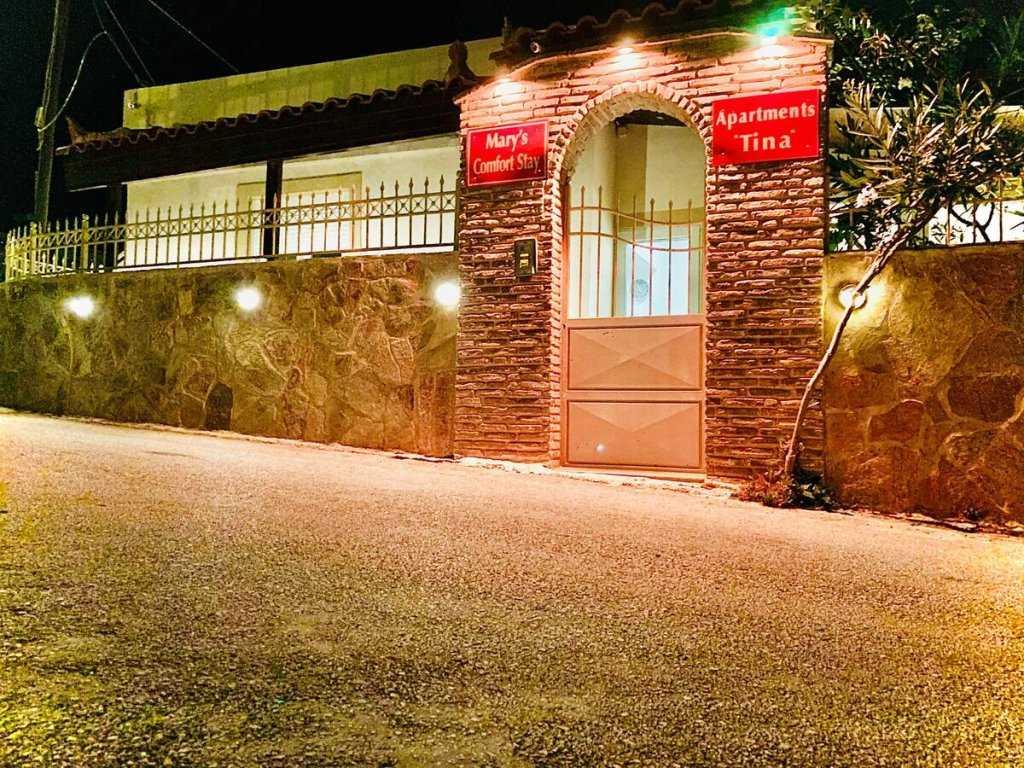 מלון טינה שדה התעופה אתונה