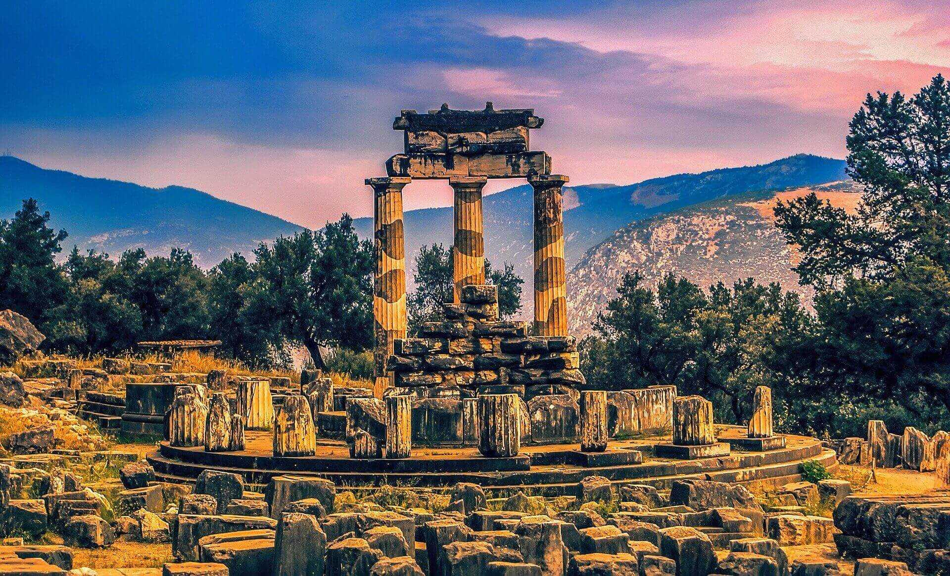 דלפי יוון: איך כדאי להגיע לשם ומה רואים? - המדריך השלם