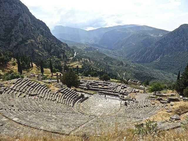 amphitheatre-815409_640