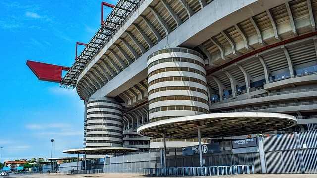 אצטדיון סן סירו המפורסם - ביתן של הקבוצות מילאן ואינטר